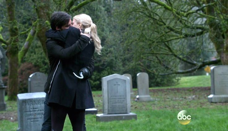 Once Upon a Time stagione 5 emma e hook Uncino